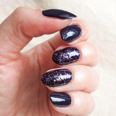 Violets nail art by Yenotek