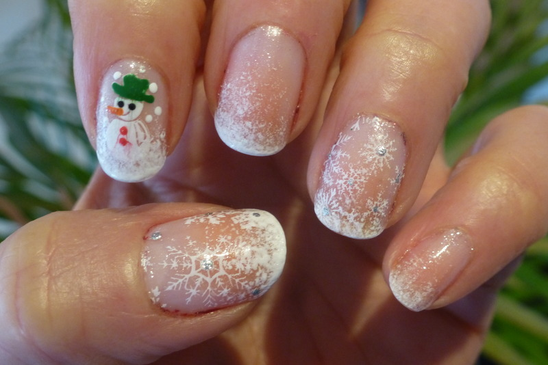 Snowman nail art by Barbouilleuse