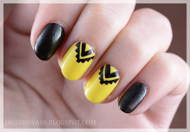 Aztec nails nail art by Jadwiga