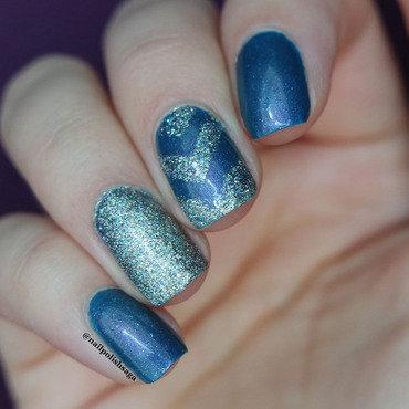glitter chevron nail art by Jolin
