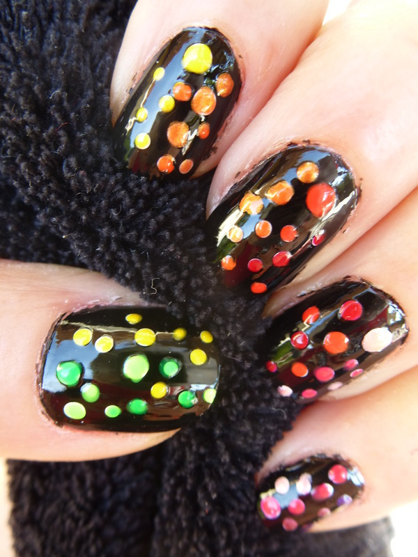 Dots nail art by Barbouilleuse