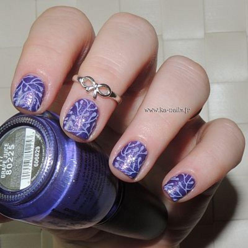 Violet en Stamping nail art by Ka'Nails