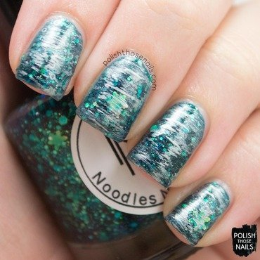 Noodles nail polish snow coat boots problems green glitter silver nail art 4 thumb370f
