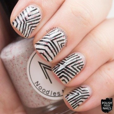 Noodles nail polish peppermint twist white glitter crelly geometric nail art 4 thumb370f