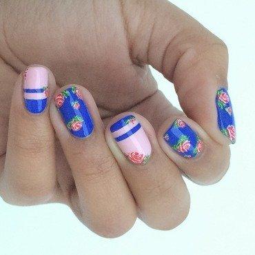 Floral Nail Art! nail art by Gabrielle