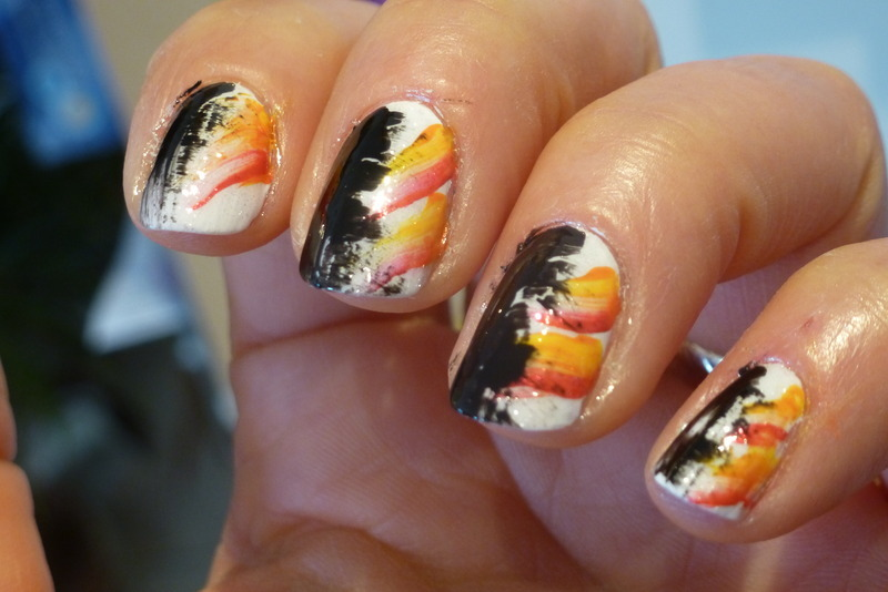 Abstract nail art by Barbouilleuse