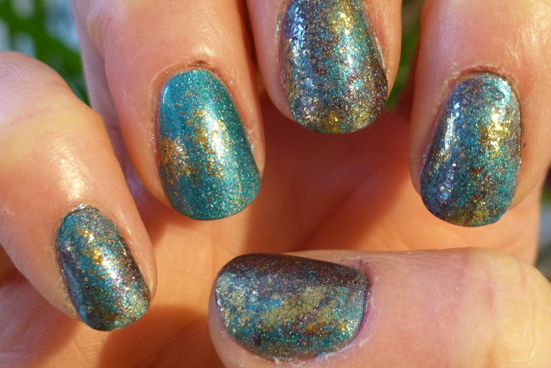Blue Stain nail art by Barbouilleuse
