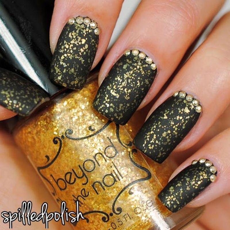 Matte Gold Flakies nail art by Maddy S