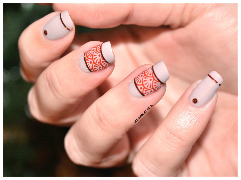 Rouge&Beige nail art by Les ongles de B.