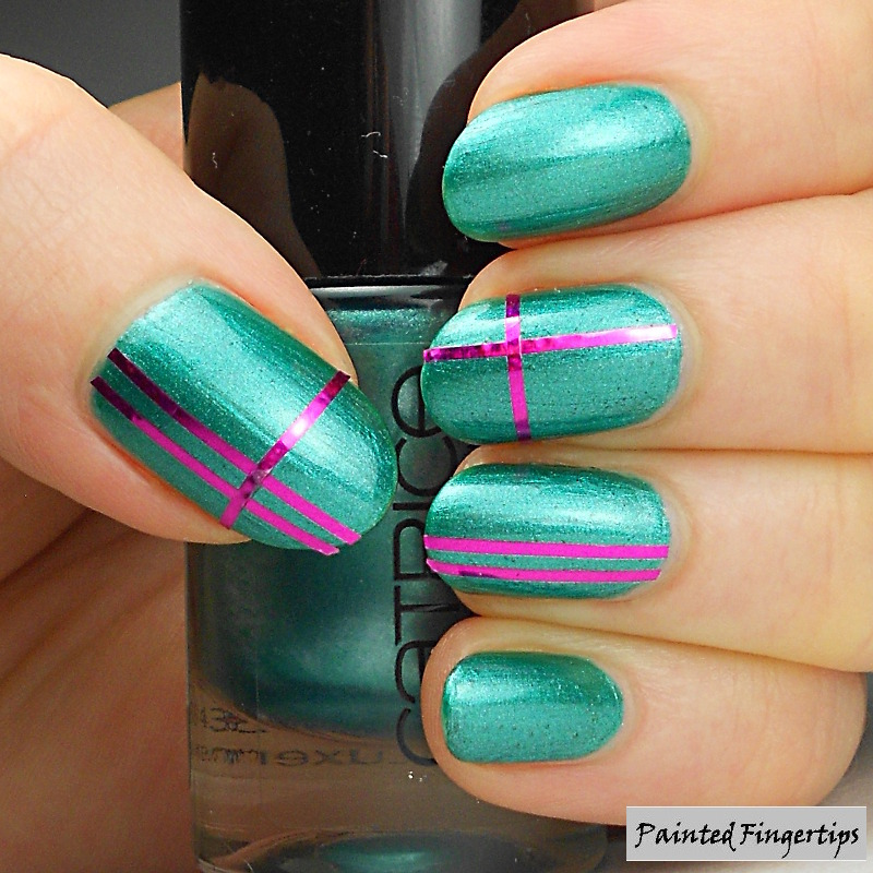#5minutenailart with Striping Tape nail art by Kerry_Fingertips