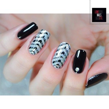 Chevron Holo nail art by Love Nails Etc