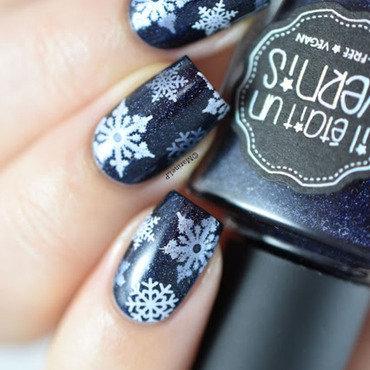 Ieuv ladykiller snowflakes nails 20 3  thumb370f