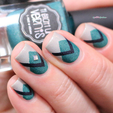 criss cross nail art by nathalie lapaillettefrondeuse