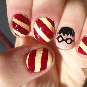 HARRY POTTER nail art by GepeNails
