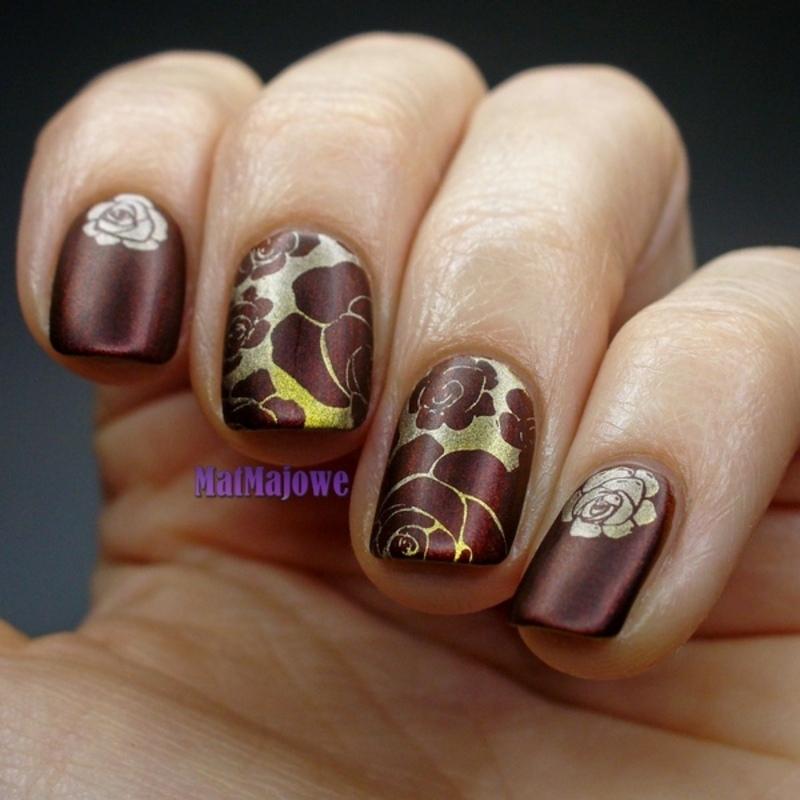 Matte golden roses on brown nail art by MatMaja