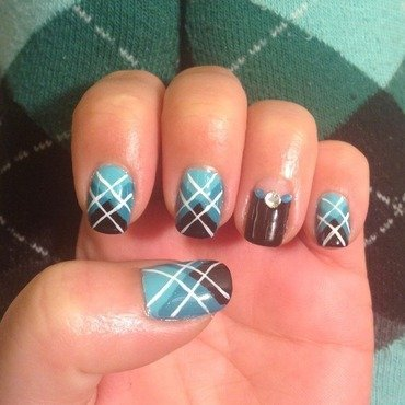 Green & Black Diamond Plaid nail art by Idreaminpolish