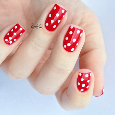 Polka Dots nail art by lackfein