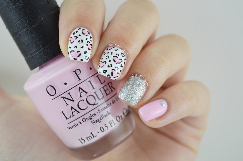 Heartshaped spots nail art by Julia