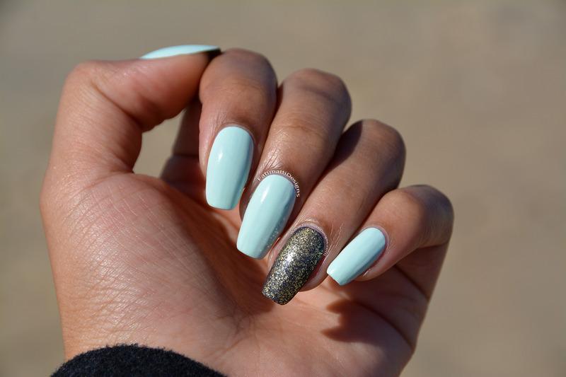 Mint nail art by Fatimah
