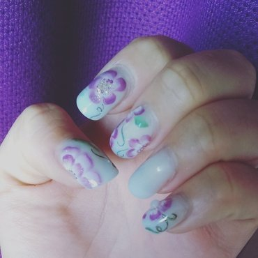One move flowers nail art by Ro Ags