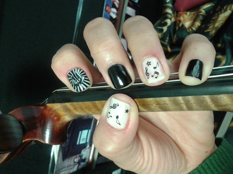 Mad Hatter Tea Party Concert nail art by Avesur Europa