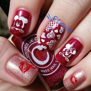 Mickey and Minnie nail art by Jenette Maitland-Tomblin