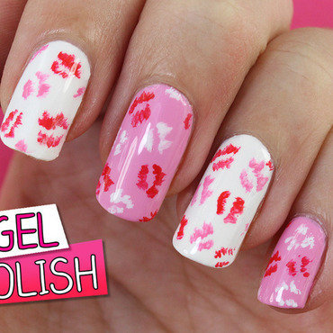 Kisses For You All! nail art by Nagel Polish
