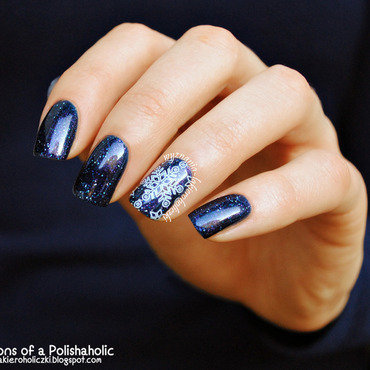 Winter in the galaxy! nail art by Olaa