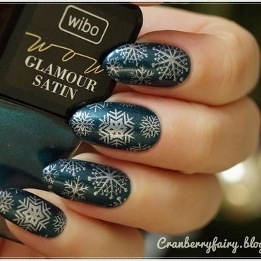 Glamour Satin nail art by Cranberry Fairy