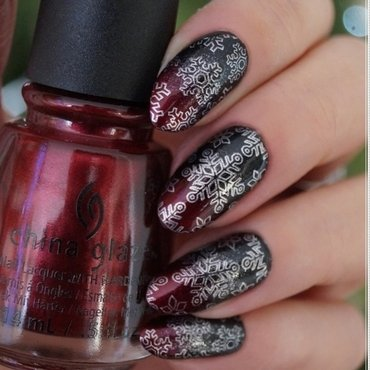 Black&red gradient nail art by Cranberry Fairy