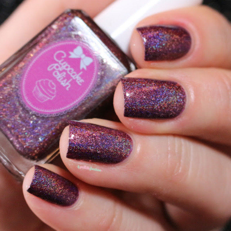 Cupcake Polish unrequited love Swatch by nathalie lapaillettefrondeuse