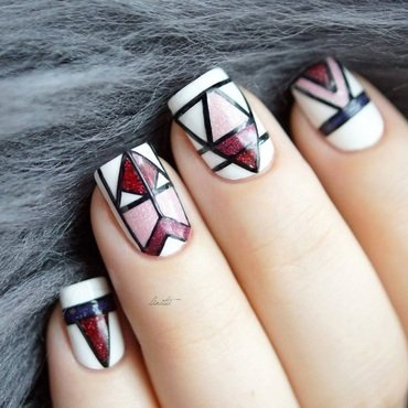 geometric area nail art by Linitti