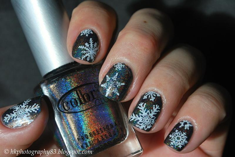 Snowflake nail art nail art by Hana K.