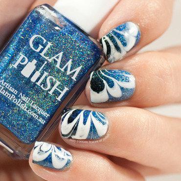 Blue gradient water marble nail art by Zara TracesOfPolish