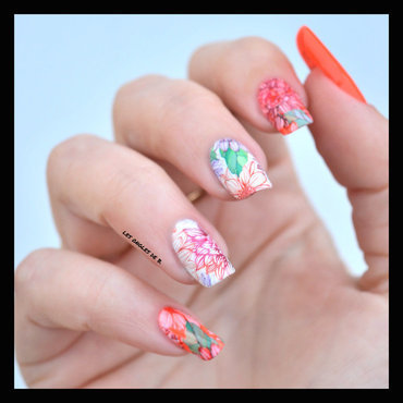 Water decal orange nail art by Les ongles de B.