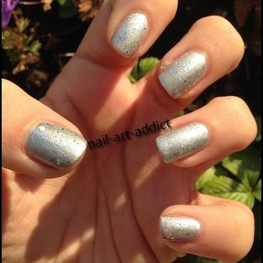 Nail Art : Icy Fairy by Essence nail art by SowNails