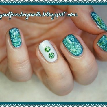 Green stones nail art by ELIZA OK-W