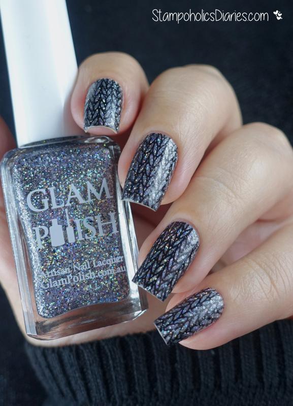 Knitted Glitter Nails nail art by Natasha