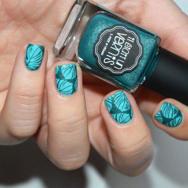 Stamping jungle leaf nail art by Sweapee