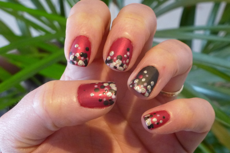 Marine's Birthday left nail art by Barbouilleuse
