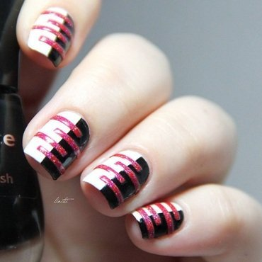 stripes all the way nail art by Linitti