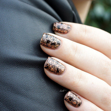 black stamps nail art by Linitti