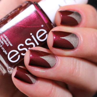 Essie 20life 20of 20the 20party 20triangle 20nail 20art 20paillette 201 thumb370f