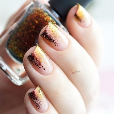 gradient nail art by Linitti