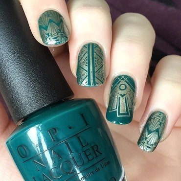 Green Gatsby nail art by allwaspolished