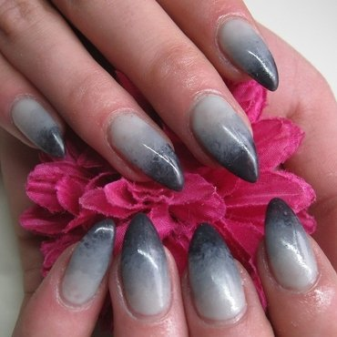 Gray Gradiënt nail art by Nailart Creations