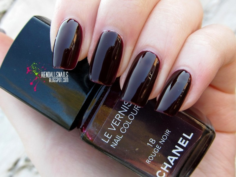 Chanel Rouge Noir Swatch by Julia Friedel