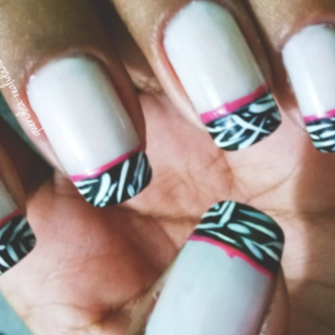 Zebra print nails nail art by Isabella