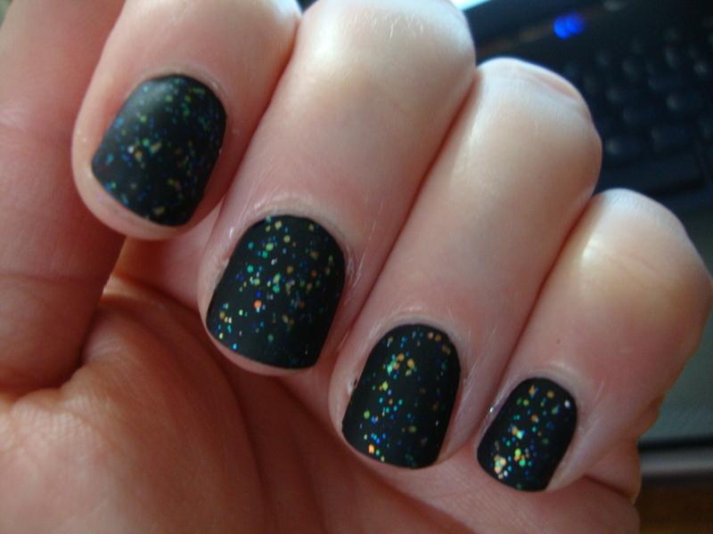 Matte glitters nail art by Stephanie