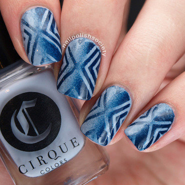Blue Cirque Reciprocal Gradient nail art by Emiline Harris